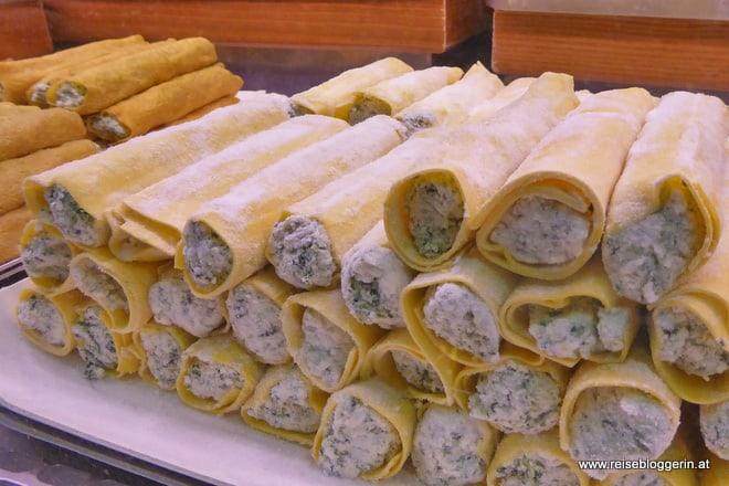 Frische Pasta am Markt in Florenz