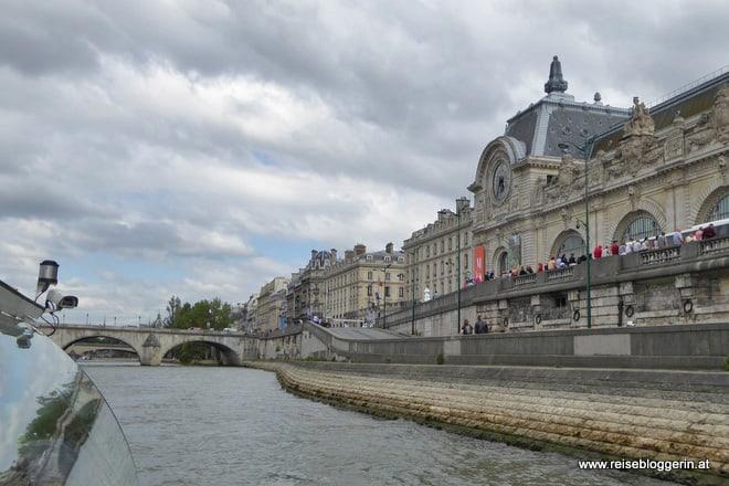 Bootsfahrt auf der Seine mit Batobus