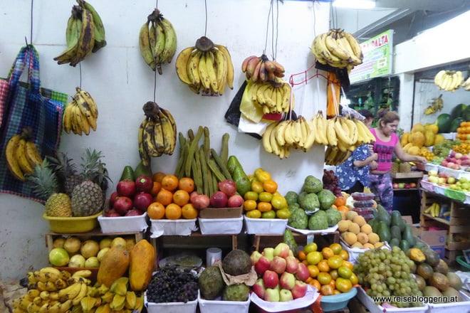 Am Markt in Lima