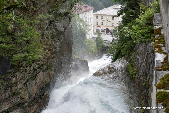 Bad Gastein mit Wasserfall