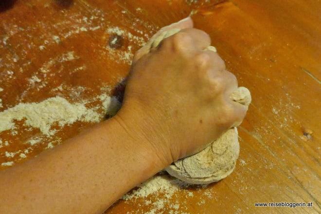 Brot kneten