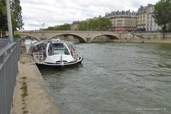 Mit dem Batobus durch Paris