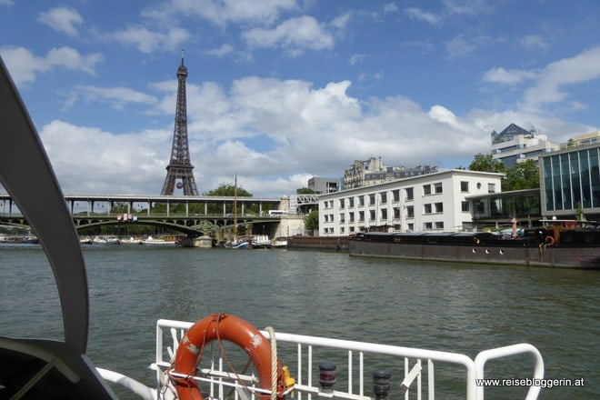 Mit dem Batobus an der Seine in Paris