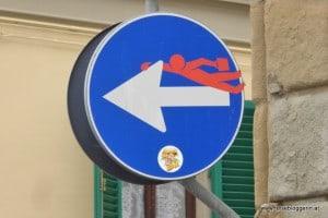 Straßenschild von Clet
