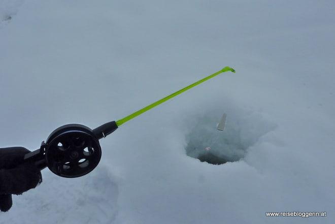 Eisfischen in Finnland