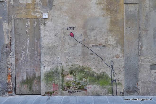Enter/Exit Streetart in Florenz