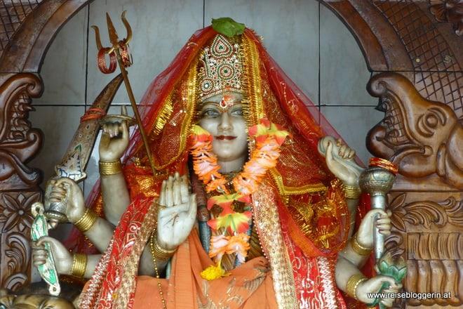 Im Hindu Tempel am Grand Bassin