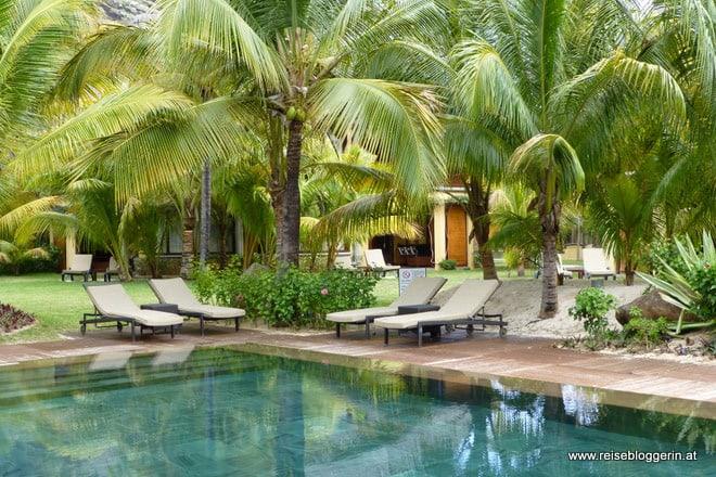 Pool im Hotel Dinarobin