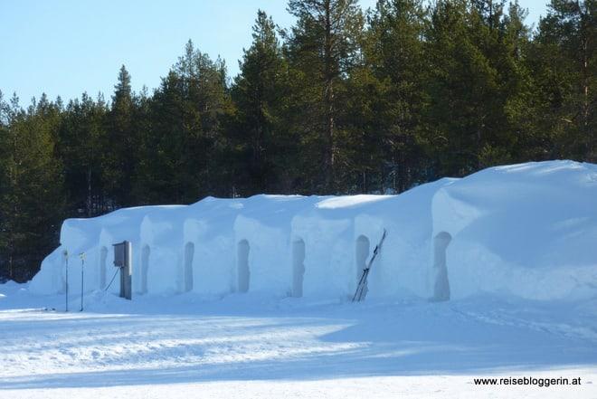 Winterabenteuer: Übernachtung im Schneeiglu