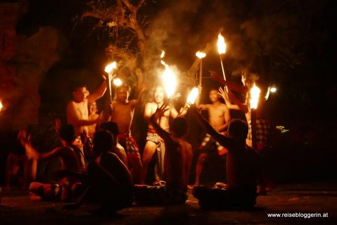Der Kecak Tanz in Bali