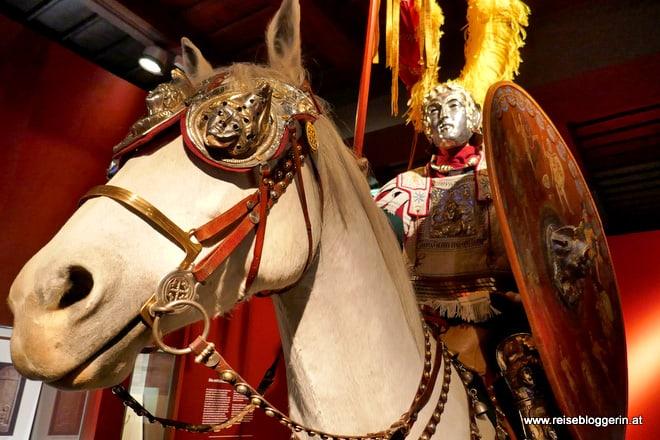Ein Reiter im Museum Carnuntinum