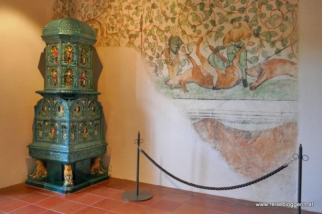 Historische Fresken auf der Schallaburg