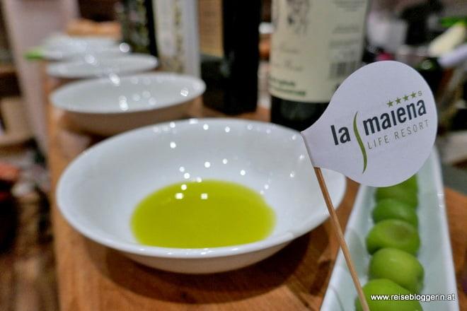 Olivenölverkostung im la maiena