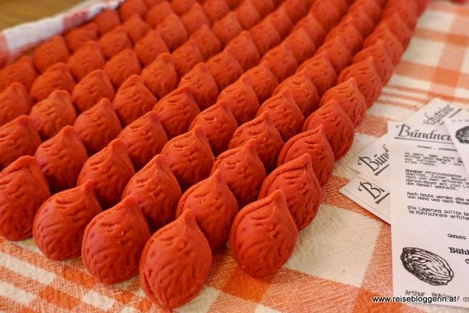 Bündner Pfirsichsteine