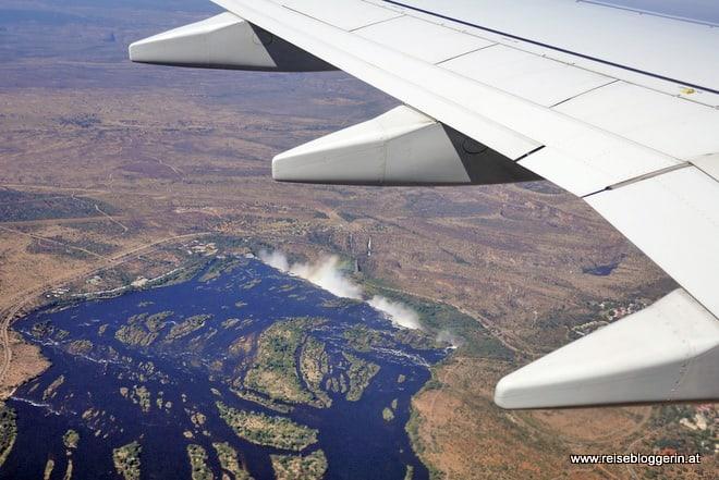 Ethiopian Arlines Landeanflug zum Flughafen Victoria Falls