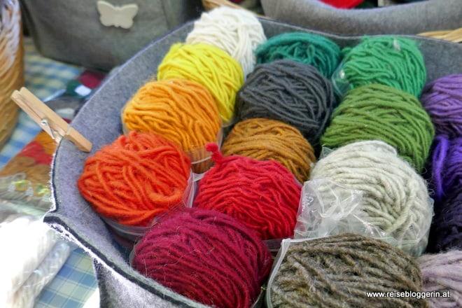 Wolle am Freitagsmarkt in Meran