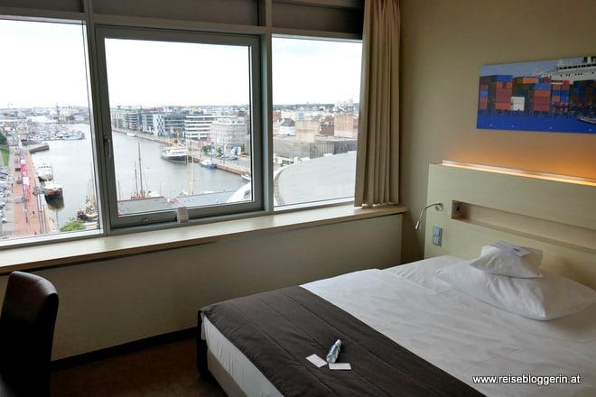 Hotelzimmer im ATLANTIC Hotel SAIL City mit Aussicht