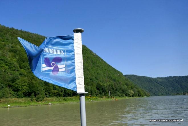 Der Donaubus, die Längsfähre am Donauradweg
