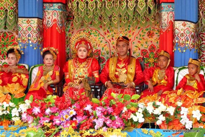 Auf der Hochzeit in Sulawesi