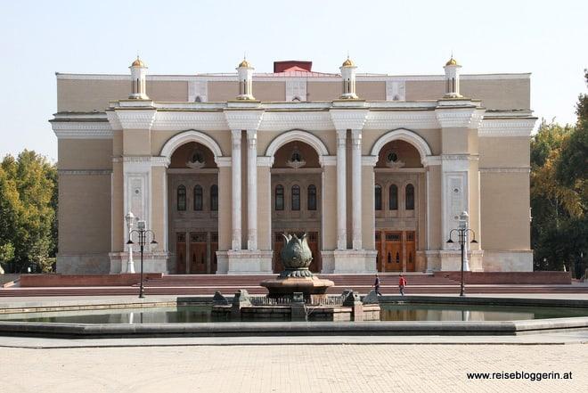 Alisher Navoi Theater in Taschkent