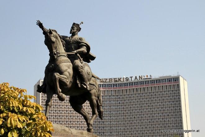 Amir Timur Denkmal in Taschkent