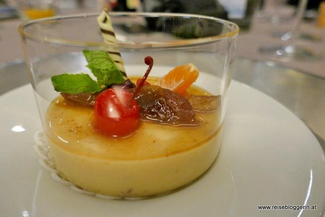 Amarone Pudding mit Datteln