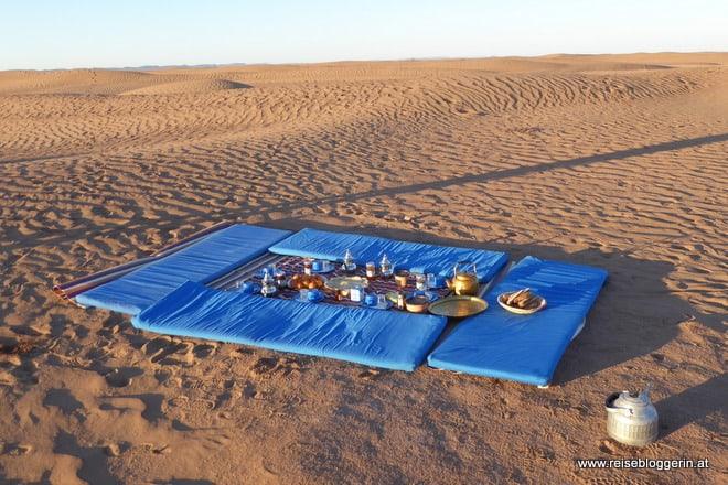 Unser Frühstück in der Wüste von Marokko