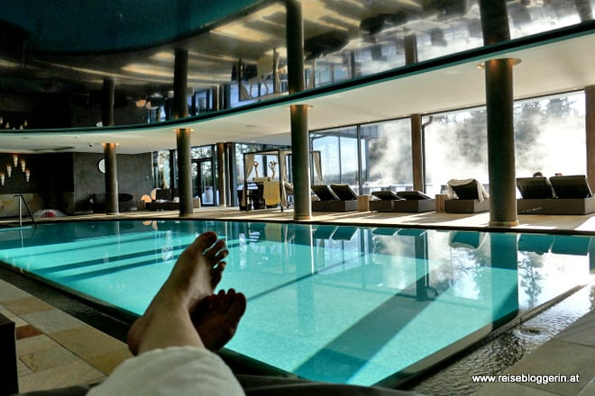 Indoorpool im Josef Moutain Resort