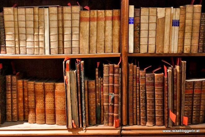 Bücher und Handschriften in der Nationabibliothek