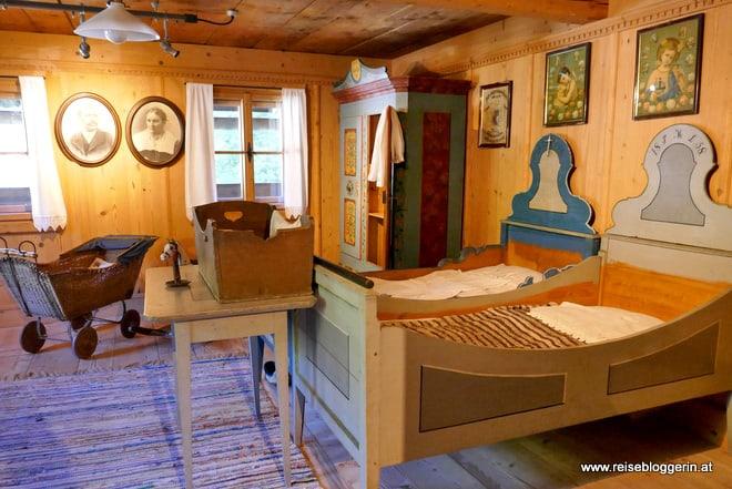 Die Schlafkammer im Heimathaus in Saalbach