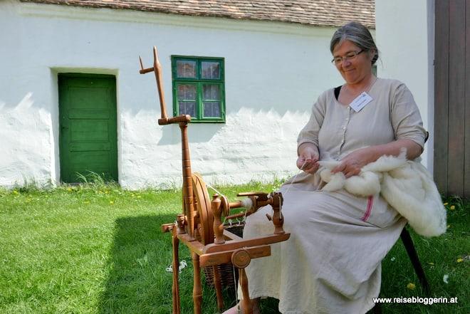 Alltag im Dorf - im Museumsdorf Niedersulz