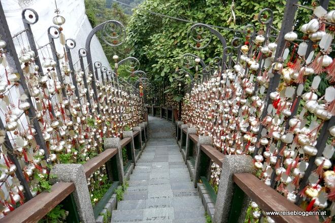 Die Himmelstreppe beim Wen Wu Tempel