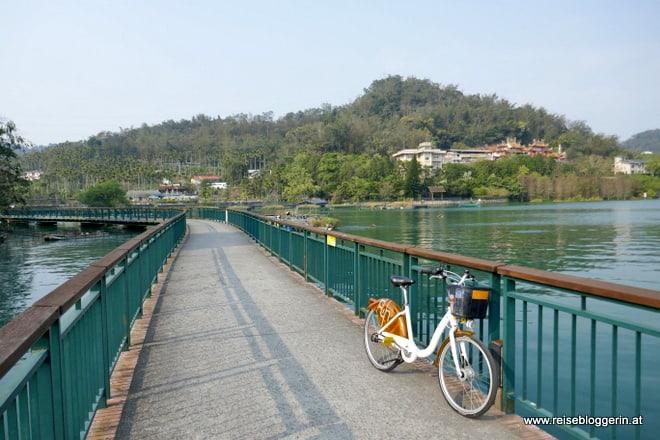 Radfahren am Sonne-Mond-See