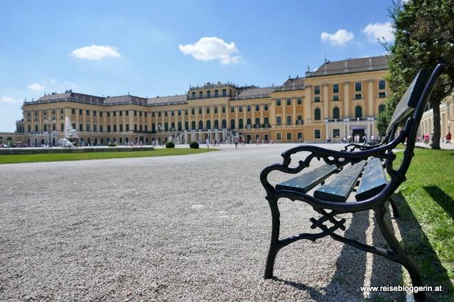 Sitzbank im Schloss Schönbrunn