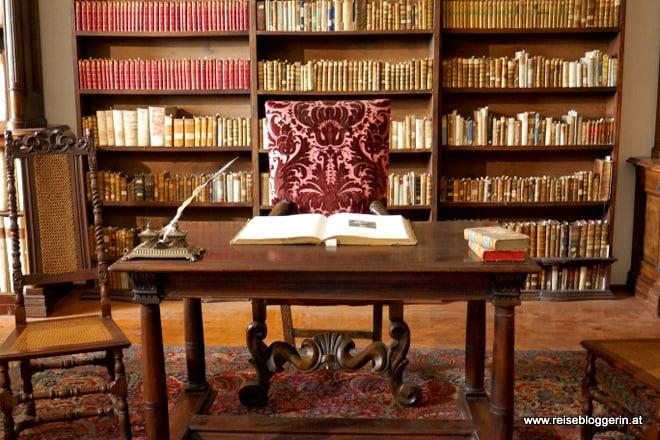 Die Bibliothek auf der Bibersburg