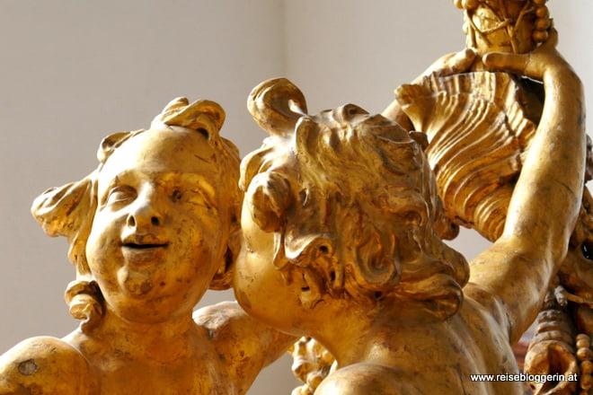 Dieses Engelspaar ist ein Detail vom Goldenen Schlitten