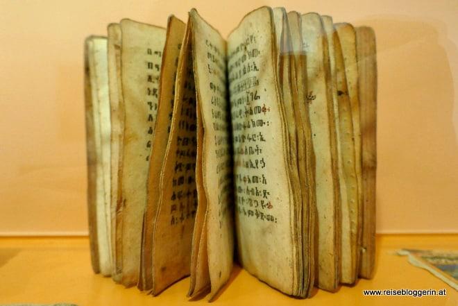 Wertvolles Buch in der Basler Papiermühle