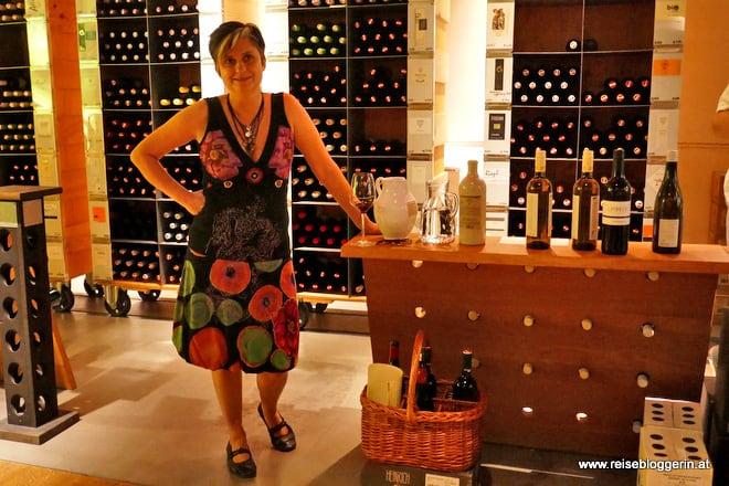 Andrea Seidl, die Leiterin im WeinKulturHaus Gols