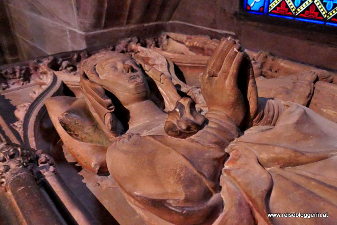 Grabmahl der Anna von Habsburg im Basler Münster