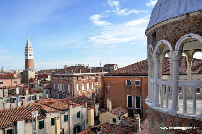 Die Aussicht vom Bovolo auf den Campanile