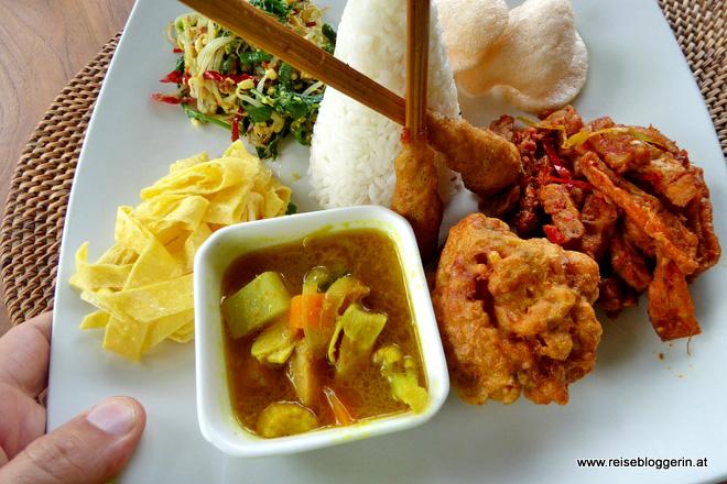Nasi Campur - das Nationalgericht auf Bali