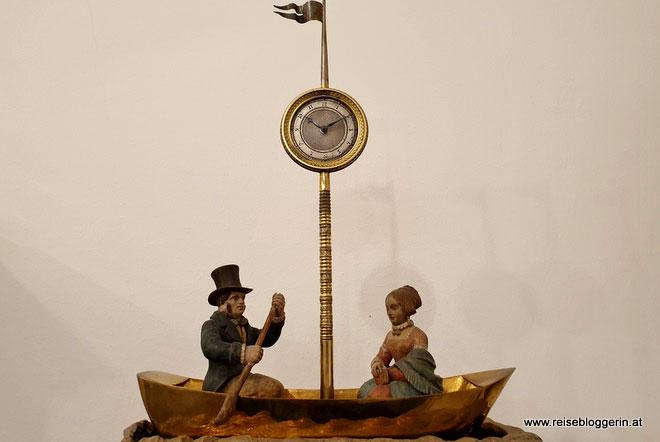 Kunstvolle Uhr im Uhrenmuseum
