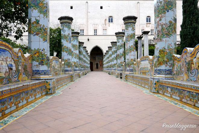 Der Innenhof vom Kloster Santa Chiara