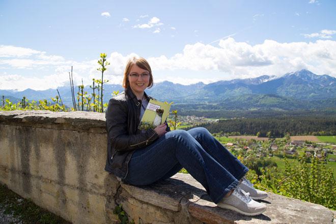 Anita Arneitz empfiehlt ihr Buch aus Kärnten für den Beitrag In 80 Büchern um die Welt