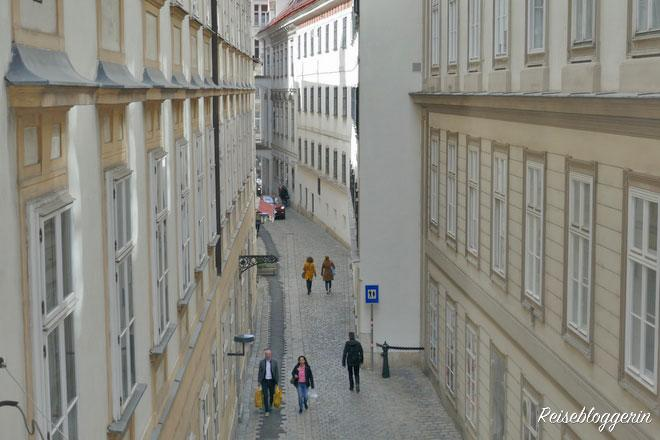 Blick aus der Mozartwohnung auf die Blutgasse