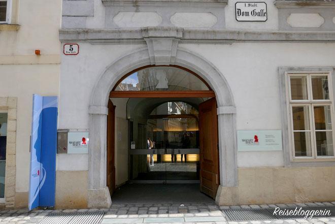 Der Eingang zum Mozarthaus Wien