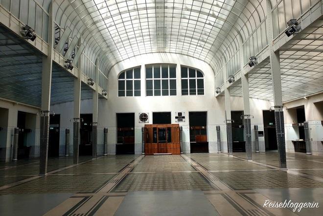 Otto Wagner - Der Kassenraum in der Postsparkasse