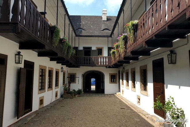 Innenhof mit Pawlatschen im Schubert Geburtshaus