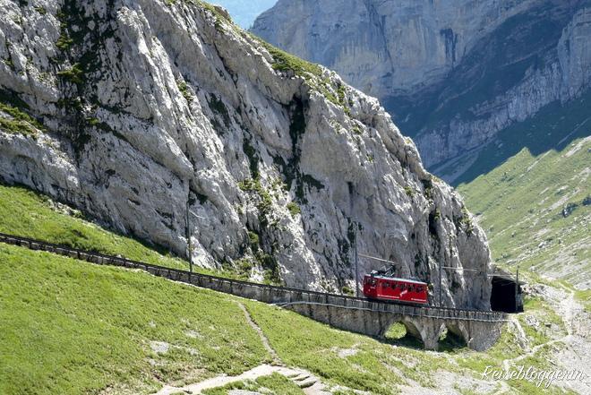 Die steilste Zahnradbahn der Welt führt auf den Pilatus