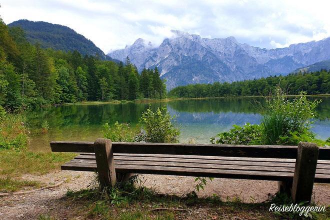 Der Almsee ist ein beliebtes Ausflugsziel in Oberösterreich